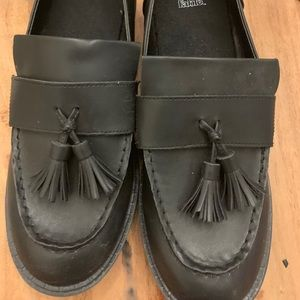 Black leather restaurant work shoes / loafers